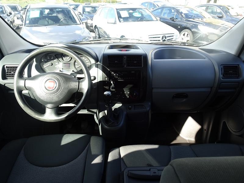Photo 3 de l'offre de FIAT SCUDO PANORAMA CH1 1.6 MULTIJET 16V 8/9 PLACES à 11990€ chez International Auto Auneau
