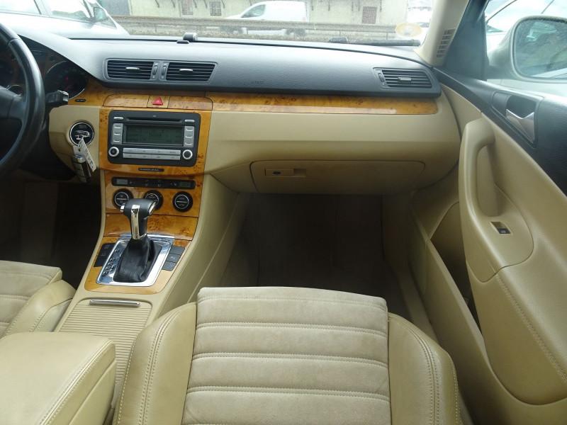 Photo 4 de l'offre de VOLKSWAGEN PASSAT SW 2.0 TDI 170CH DPF CARAT DSG6 à 7790€ chez International Auto Auneau