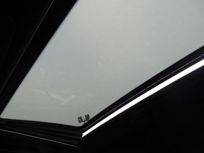 Photo 18 de l'offre de MERCEDES-BENZ CLASSE CLK (C209) 320 CDI AVANTGARDE 7GTRO à 9890€ chez International Auto Auneau