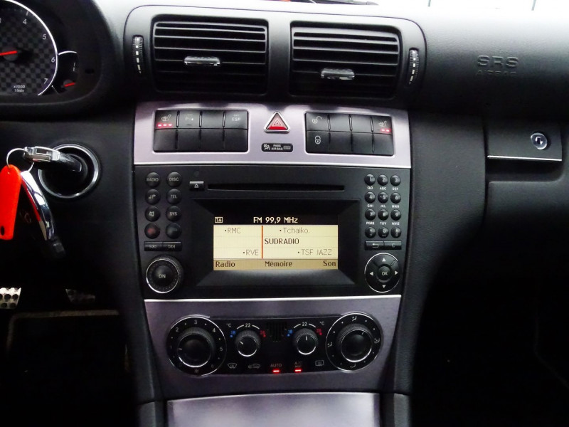 Photo 7 de l'offre de MERCEDES-BENZ CLASSE CLC (CL203) 180K à 9890€ chez International Auto Auneau
