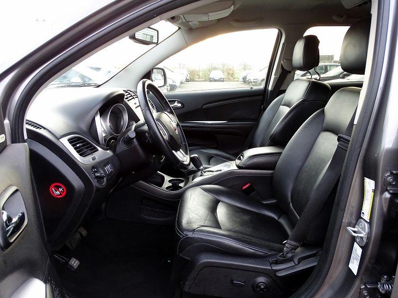 Photo 6 de l'offre de FIAT FREEMONT 2.0 MULTIJET 16V 170CH LOUNGE AWD BVA à 14990€ chez International Auto Auneau