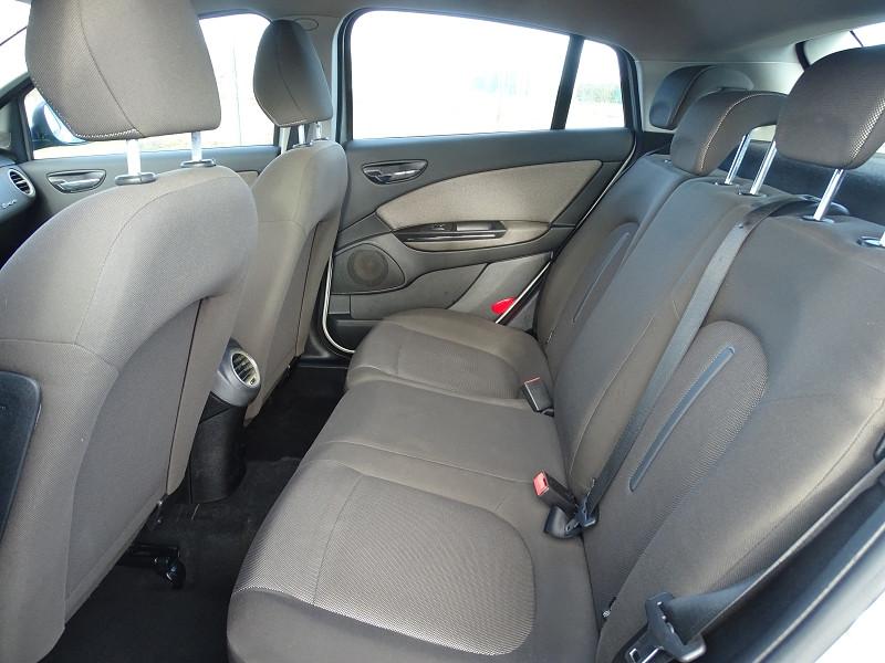 Photo 7 de l'offre de FIAT BRAVO 1.9 MULTIJET 8V 120CH DYNAMIC à 4990€ chez International Auto Auneau