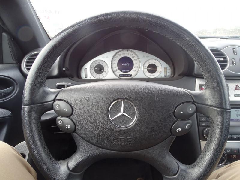 Photo 8 de l'offre de MERCEDES-BENZ CLASSE CLK (C209) 320 CDI AVANTGARDE 7GTRO à 9890€ chez International Auto Auneau