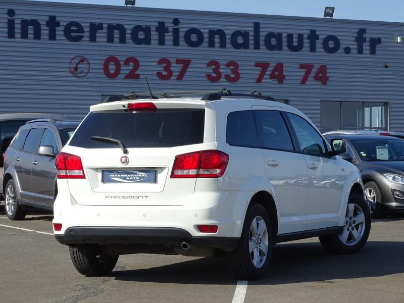 Photo 2 de l'offre de FIAT FREEMONT 2.0 MULTIJET 16V 170CH URBAN à 12990€ chez International Auto Auneau