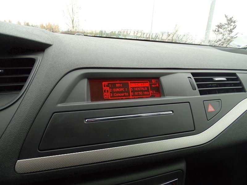 Photo 6 de l'offre de CITROEN C5 1.6 HDI110 DYNAMIQUE à 6990€ chez International Auto Auneau