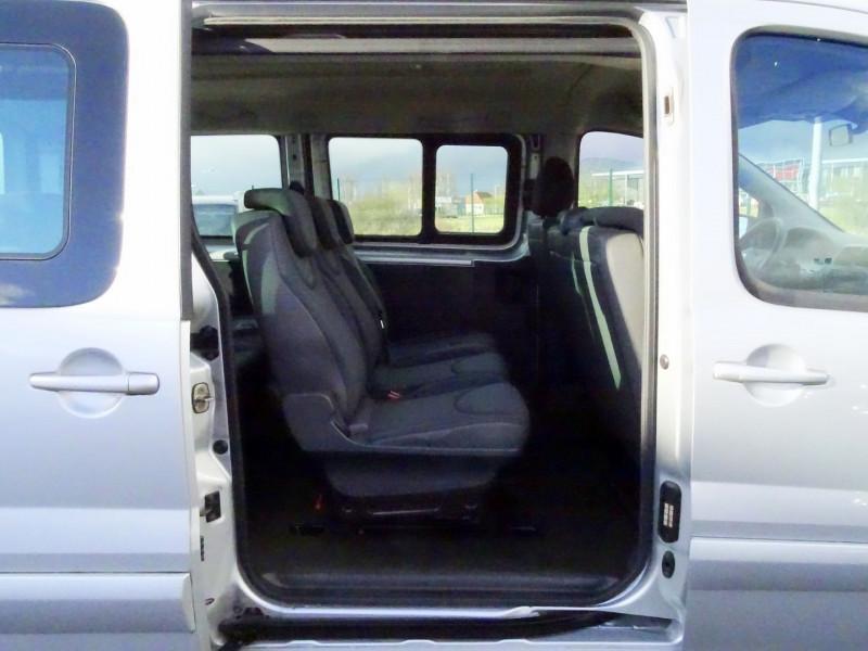 Photo 13 de l'offre de FIAT SCUDO PANORAMA CH1 1.6 MULTIJET 16V 8/9 PLACES à 11990€ chez International Auto Auneau