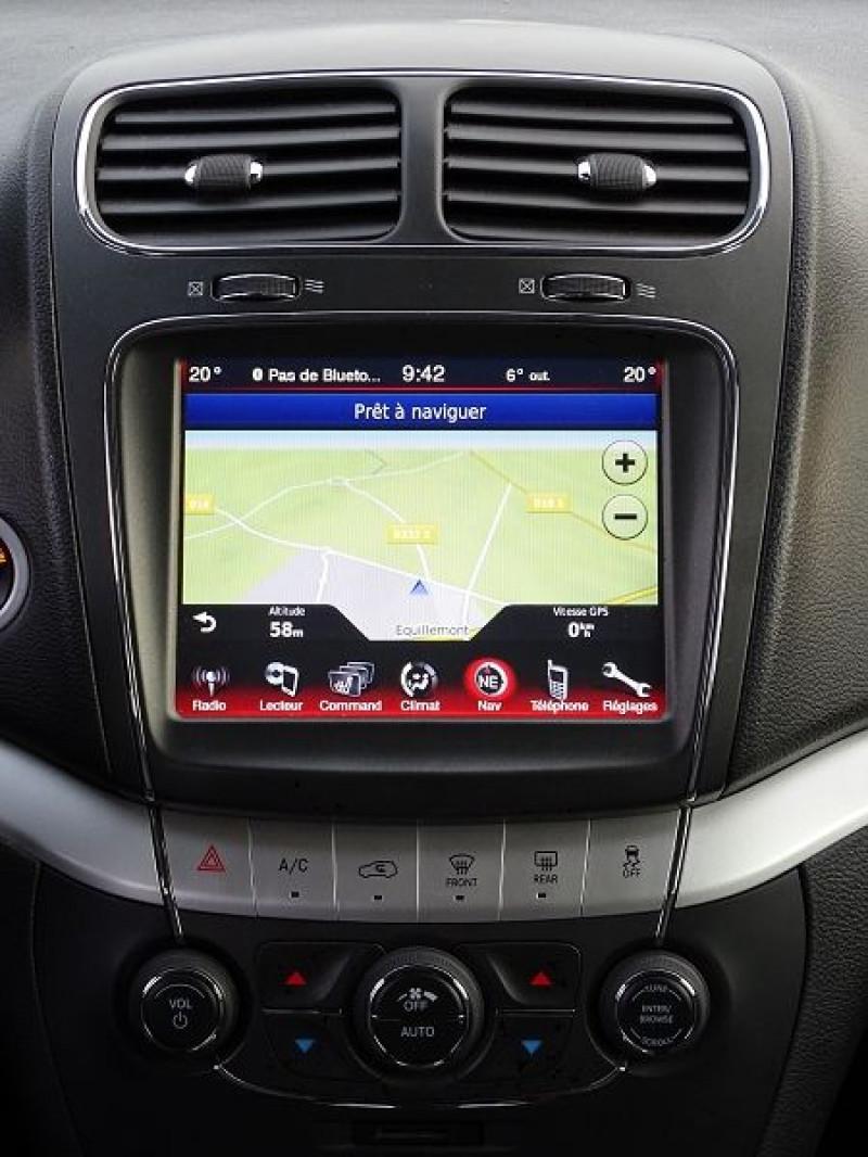 Photo 11 de l'offre de FIAT FREEMONT 2.0 MULTIJET 16V 170CH LOUNGE AWD BVA à 14990€ chez International Auto Auneau