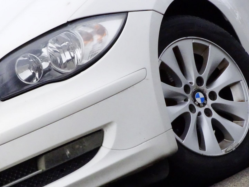 Photo 2 de l'offre de BMW SERIE 1 (E81/E87) 118D 143CH CONFORT 5P à 8790€ chez International Auto Auneau