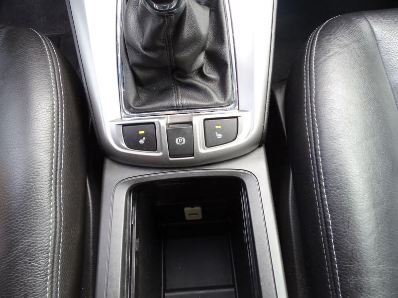 Photo 14 de l'offre de CHEVROLET CAPTIVA 2.2 VCDI163 LT+ S&S à 10790€ chez International Auto Auneau
