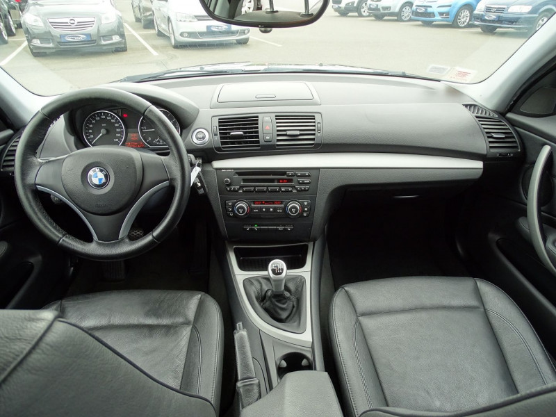 Photo 9 de l'offre de BMW SERIE 1 (E81/E87) 118D 143CH CONFORT 5P à 8190€ chez International Auto Auneau