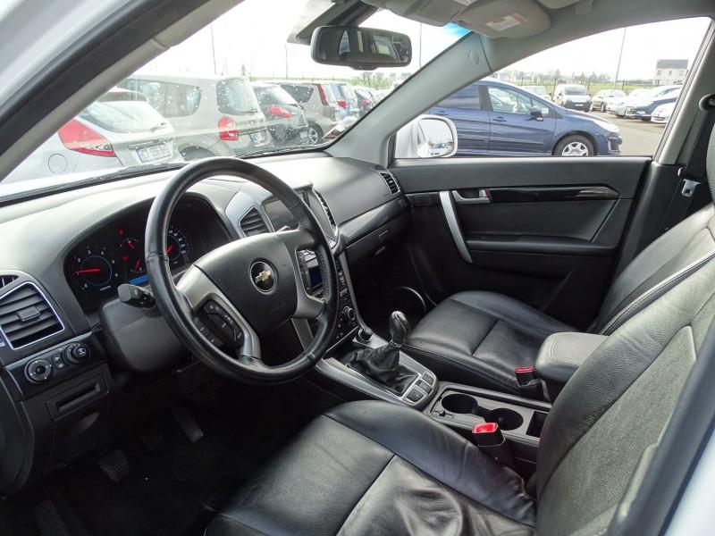 Photo 4 de l'offre de CHEVROLET CAPTIVA 2.2 VCDI163 LT+ S&S à 10790€ chez International Auto Auneau