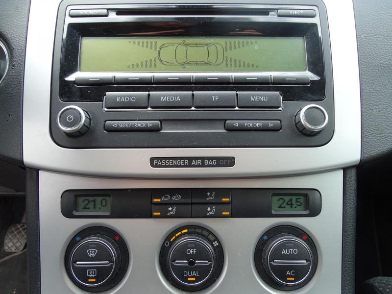 Photo 4 de l'offre de VOLKSWAGEN PASSAT 1.8 TSI 160CH CONFORTLINE à 7490€ chez International Auto Auneau