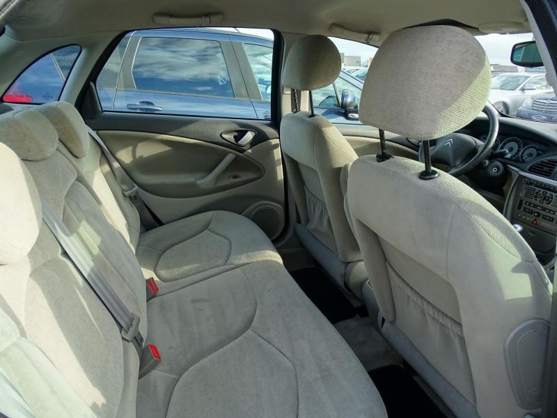 Photo 5 de l'offre de CITROEN C5 2.0I 16V 143CH PACK AMBIANCE BA à 3590€ chez International Auto Auneau