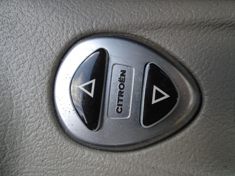 Photo 11 de l'offre de CITROEN C5 2.0I 16V 143CH PACK AMBIANCE BA à 3590€ chez International Auto Auneau