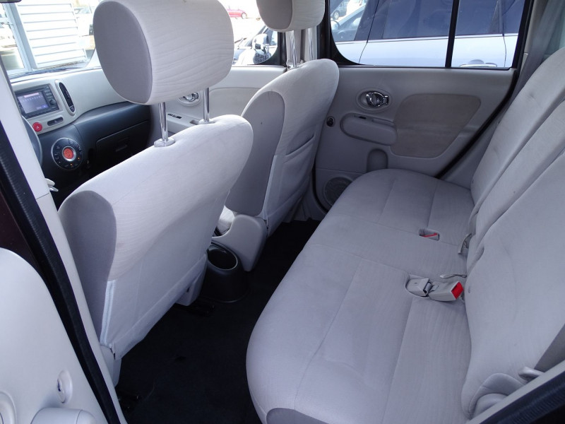 Photo 4 de l'offre de NISSAN CUBE 1.5 DCI 110CH FAP PURE à 5990€ chez International Auto Auneau
