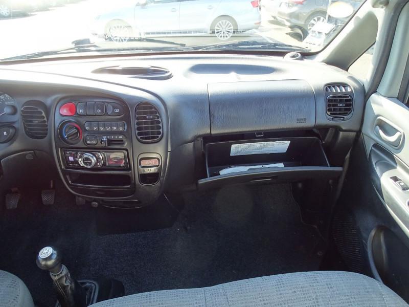 Photo 10 de l'offre de HYUNDAI SATELLITE 2.5 CRDI140 PACK CONFORT à 12690€ chez International Auto Auneau