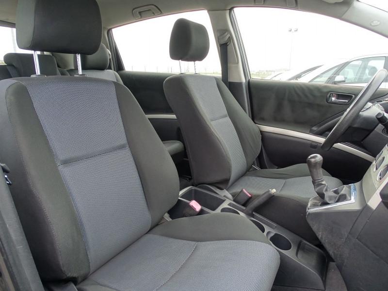 Photo 5 de l'offre de TOYOTA COROLLA VERSO 115 D-4D TERRA 7 PLACES à 6490€ chez International Auto Auneau