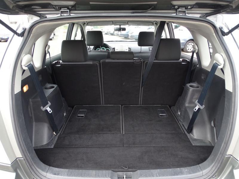 Photo 10 de l'offre de TOYOTA COROLLA VERSO 115 D-4D TERRA 7 PLACES à 6490€ chez International Auto Auneau