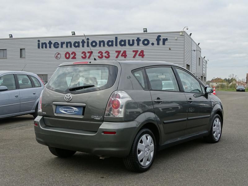 Photo 2 de l'offre de TOYOTA COROLLA VERSO 115 D-4D TERRA 7 PLACES à 6490€ chez International Auto Auneau