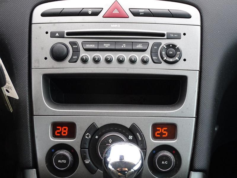 Photo 12 de l'offre de PEUGEOT 308 1.6 THP 16V PREMIUM PACK BAA 5P à 8190€ chez International Auto Auneau