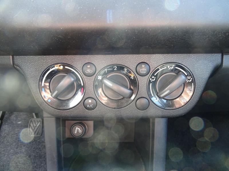 Photo 15 de l'offre de SUZUKI SWIFT 1.3 DDIS GL 5P à 5690€ chez International Auto Auneau