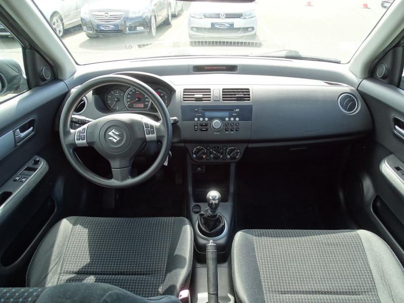 Photo 10 de l'offre de SUZUKI SWIFT 1.3 DDIS GL 5P à 5690€ chez International Auto Auneau