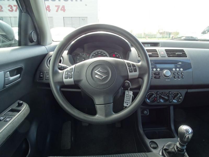 Photo 9 de l'offre de SUZUKI SWIFT 1.3 DDIS GL 5P à 5690€ chez International Auto Auneau