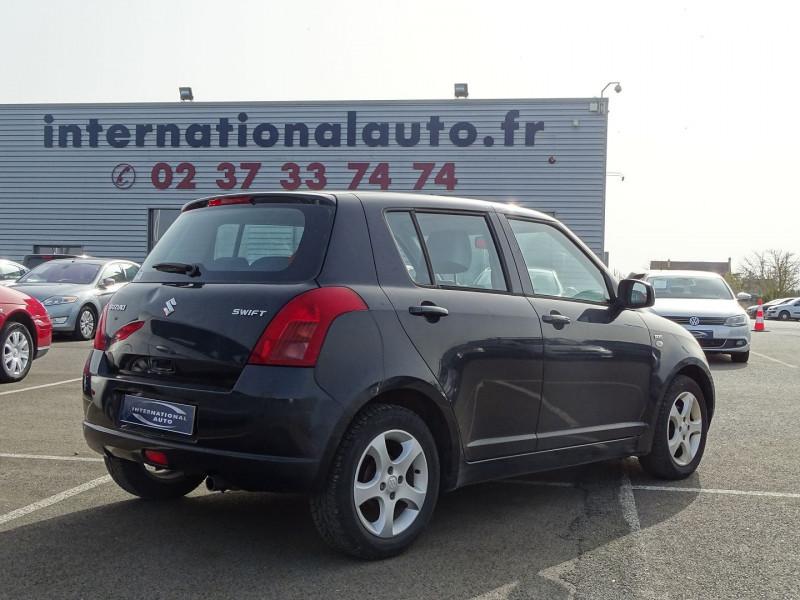 Photo 2 de l'offre de SUZUKI SWIFT 1.3 DDIS GL 5P à 5690€ chez International Auto Auneau