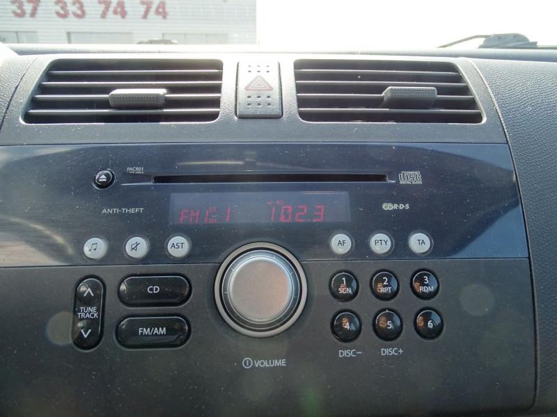 Photo 14 de l'offre de SUZUKI SWIFT 1.3 DDIS GL 5P à 5690€ chez International Auto Auneau