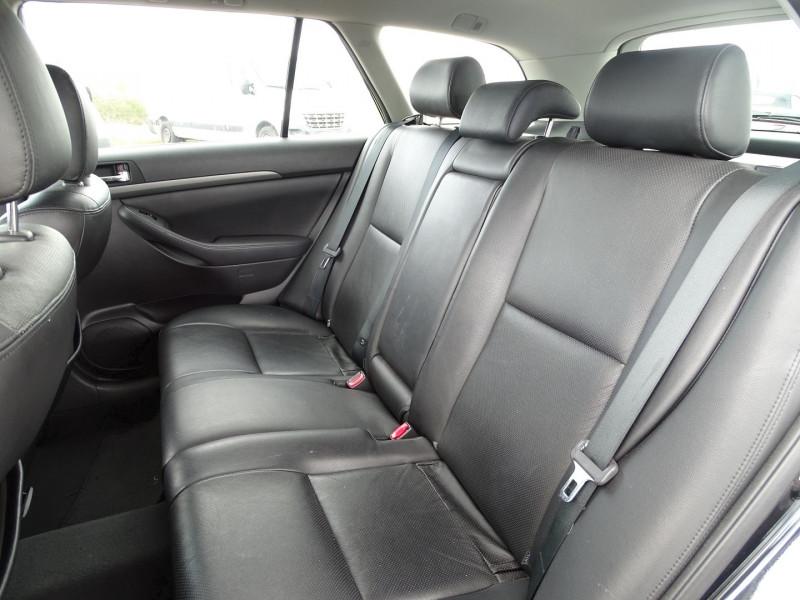 Photo 7 de l'offre de TOYOTA AVENSIS BREAK 126 D-4D TECHNO PACK à 6890€ chez International Auto Auneau
