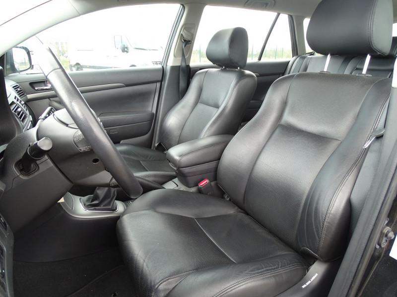 Photo 4 de l'offre de TOYOTA AVENSIS BREAK 126 D-4D TECHNO PACK à 6890€ chez International Auto Auneau
