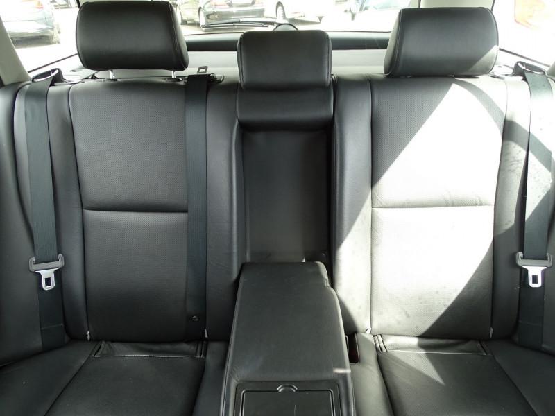 Photo 9 de l'offre de TOYOTA AVENSIS BREAK 126 D-4D TECHNO PACK à 6890€ chez International Auto Auneau