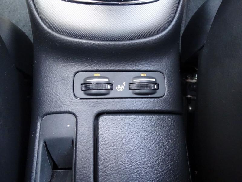 Photo 12 de l'offre de TOYOTA AVENSIS BREAK 126 D-4D TECHNO PACK à 6890€ chez International Auto Auneau