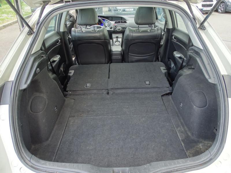 Photo 18 de l'offre de HONDA CIVIC 1.8 I-VTEC EXECUTIVE CUIR/NAVI 5P à 7890€ chez International Auto Auneau
