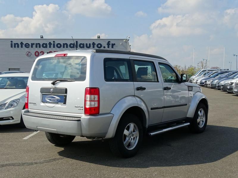 Photo 2 de l'offre de DODGE NITRO 2.8 CRD R/T 4X4 BAUTO à 11890€ chez International Auto Auneau
