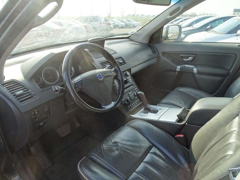 Photo 3 de l'offre de VOLVO XC90 D5 AWD 200CH XENIUM GEARTRONIC 7 PLACES à 21690€ chez International Auto Auneau