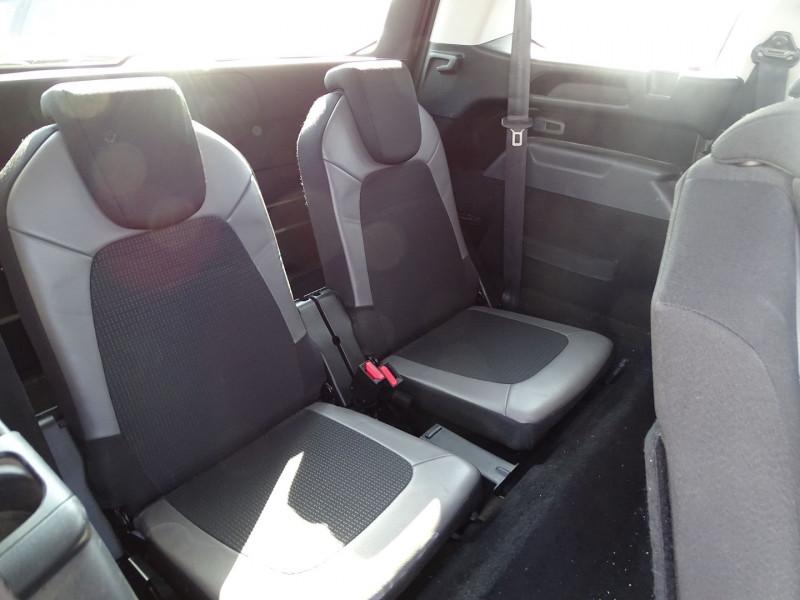 Photo 9 de l'offre de CITROEN GRAND C4 PICASSO BLUEHDI 150CH BUSINESS S&S EAT6 à 11690€ chez International Auto Auneau