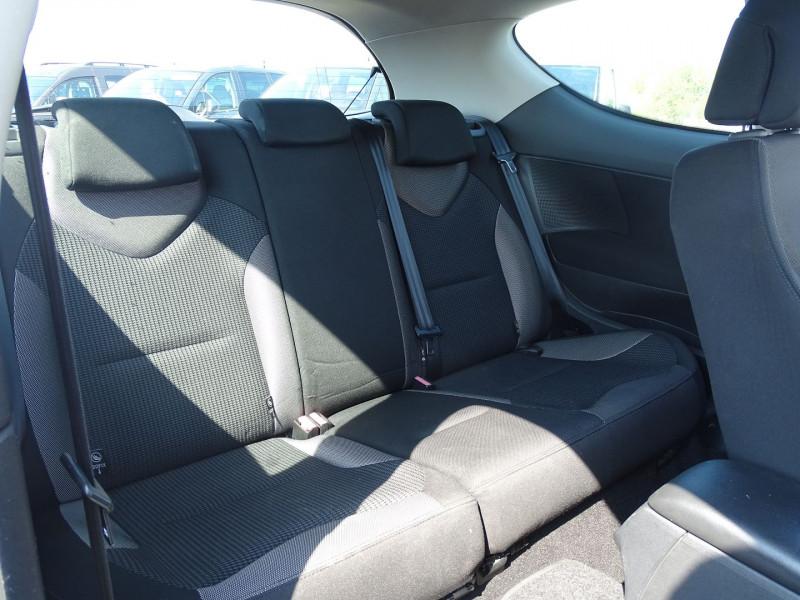 Photo 6 de l'offre de PEUGEOT 308 1.6 VTI 16V PREMIUM 3P à 5990€ chez International Auto Auneau