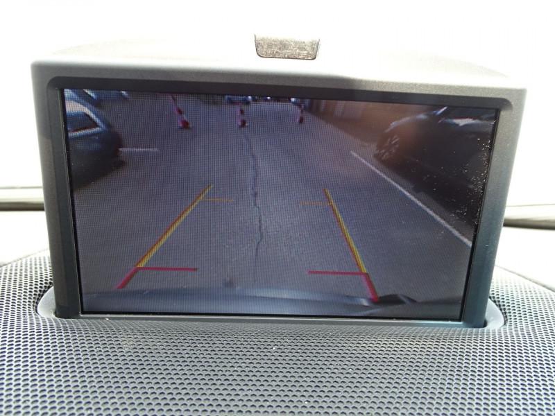 Photo 20 de l'offre de VOLVO XC90 D5 AWD 200CH XENIUM GEARTRONIC 7 PLACES à 21690€ chez International Auto Auneau