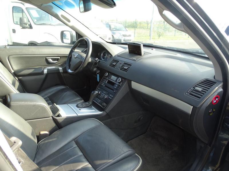 Photo 13 de l'offre de VOLVO XC90 D5 AWD 200CH XENIUM GEARTRONIC 7 PLACES à 21690€ chez International Auto Auneau