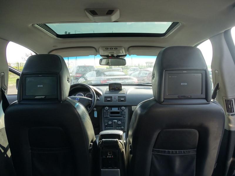 Photo 8 de l'offre de VOLVO XC90 D5 AWD 200CH XENIUM GEARTRONIC 7 PLACES à 21690€ chez International Auto Auneau