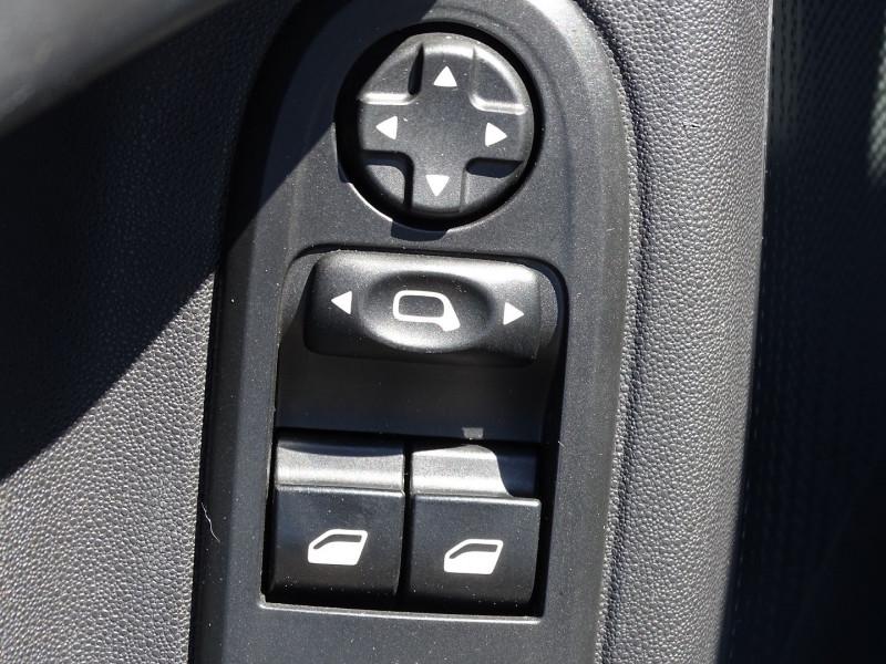 Photo 13 de l'offre de CITROEN C3 1.4 I GPL ATTRACTION à 5490€ chez International Auto Auneau