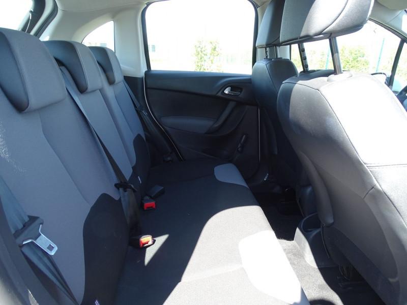 Photo 8 de l'offre de CITROEN C3 1.4 I GPL ATTRACTION à 5490€ chez International Auto Auneau