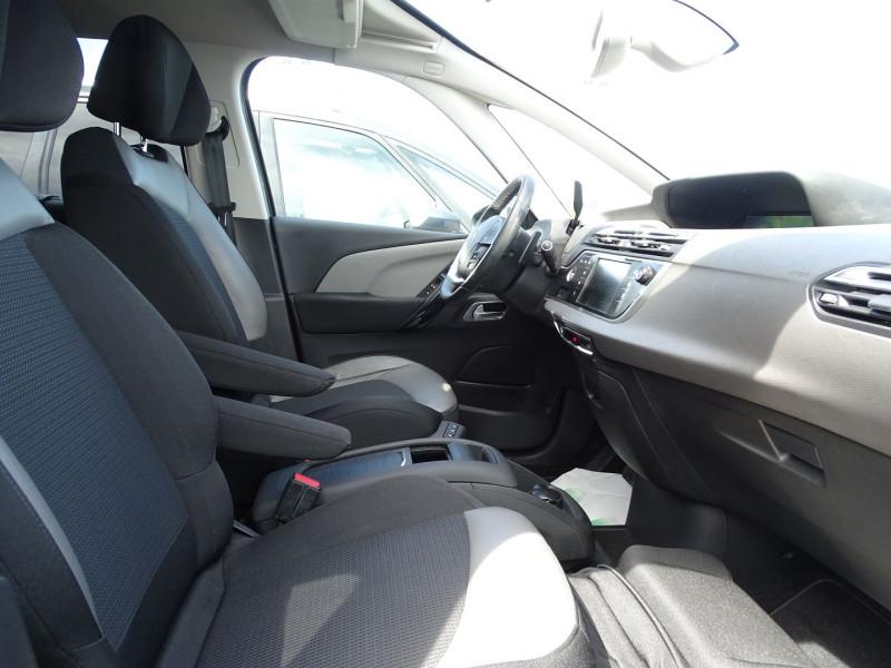 Photo 11 de l'offre de CITROEN GRAND C4 PICASSO BLUEHDI 150CH BUSINESS S&S EAT6 à 11690€ chez International Auto Auneau