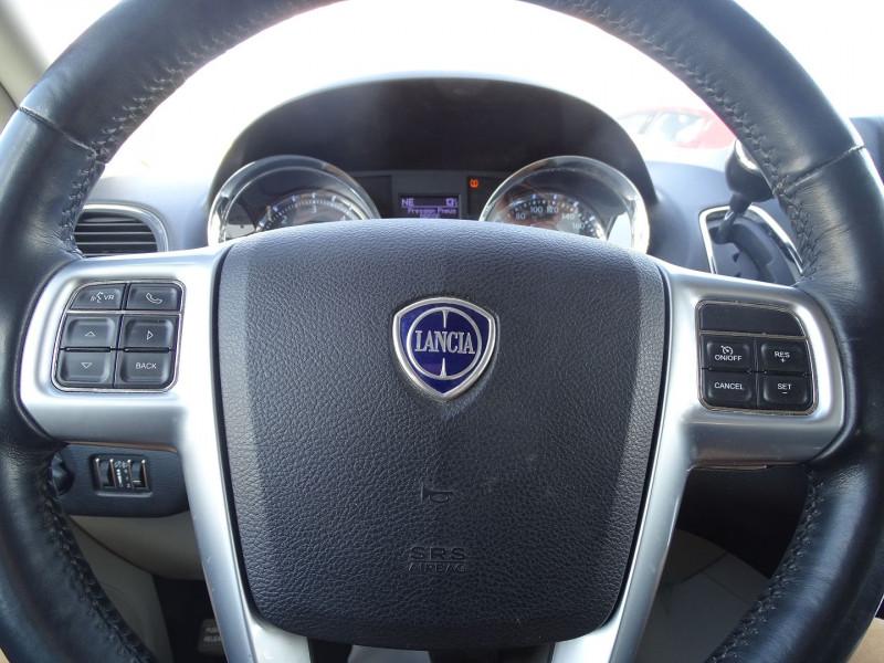 Photo 17 de l'offre de LANCIA VOYAGER 2.8 MULTIJET 163 PLATINUM 5P à 19990€ chez International Auto Auneau
