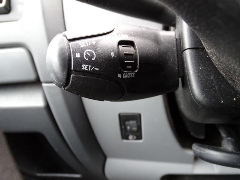 Photo 8 de l'offre de PEUGEOT EXPERT FG 229 L2H1 HDI120 PK CD CLIM à 7990€ chez International Auto Auneau