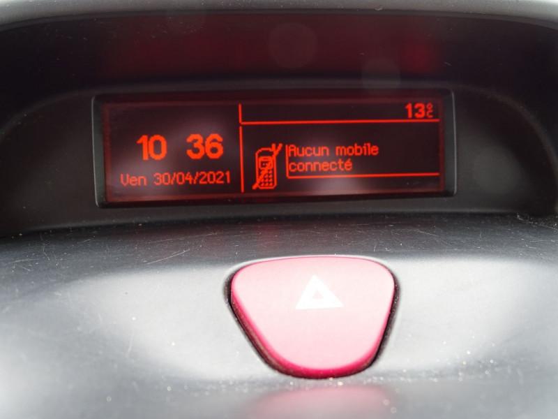 Photo 12 de l'offre de PEUGEOT EXPERT FG 229 L2H1 HDI120 PK CD CLIM à 7990€ chez International Auto Auneau