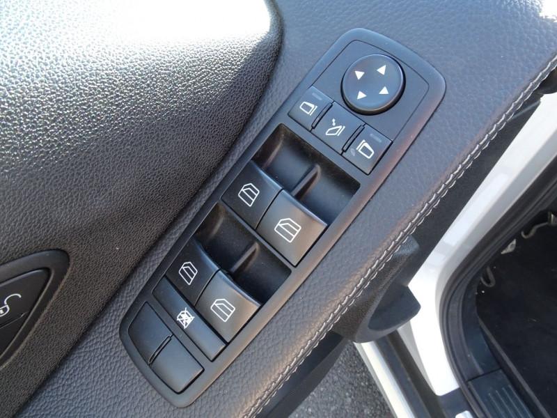 Photo 4 de l'offre de MERCEDES-BENZ CLASSE R (W251) 280 CDI 7GTRO 4 MATIC à 10490€ chez International Auto Auneau