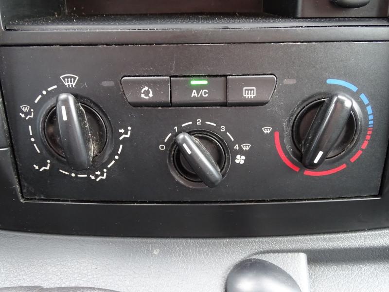 Photo 9 de l'offre de PEUGEOT EXPERT FG 229 L2H1 HDI120 PK CD CLIM à 7990€ chez International Auto Auneau