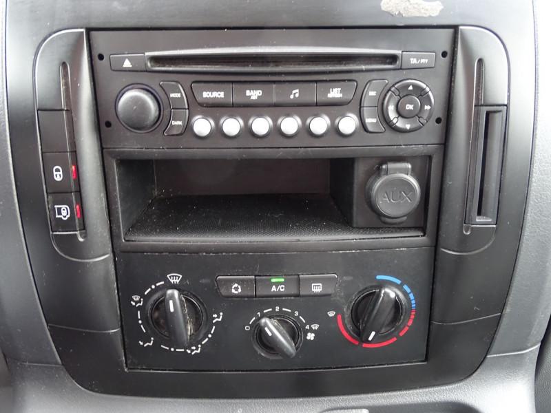 Photo 11 de l'offre de PEUGEOT EXPERT FG 229 L2H1 HDI120 PK CD CLIM à 7990€ chez International Auto Auneau